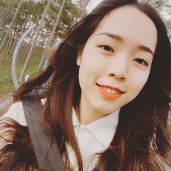 Khương Nguyễn Minh Thư